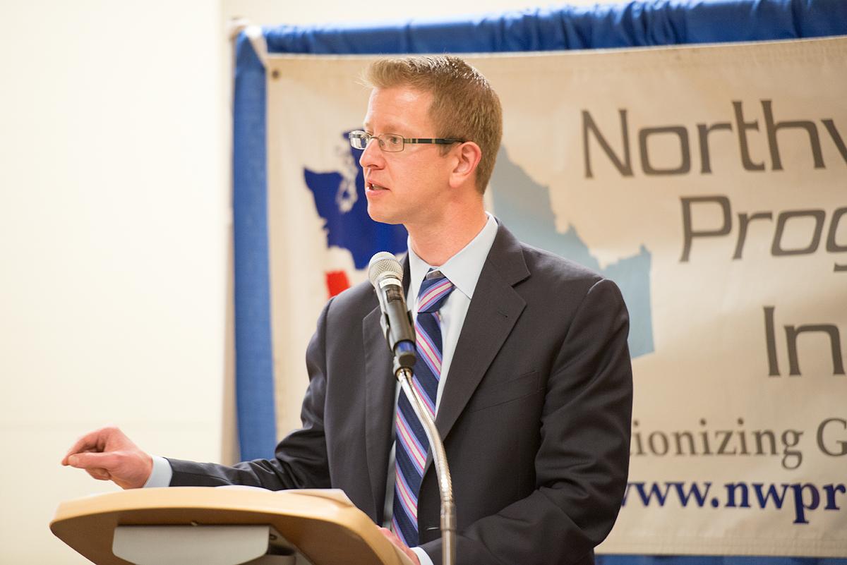 Derek Kilmer speaking at NPI's 2015 Spring Fundraising Gala
