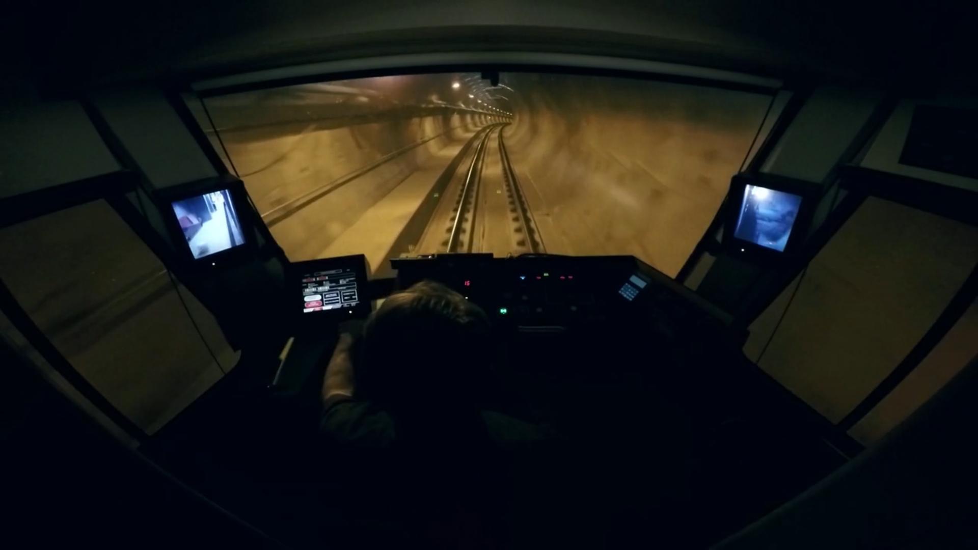 Testing University Link light rail