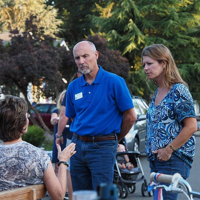 Redmond Councilmember John Stilin and Council candidate Angela Birney talk politics with King County Councilmember Kathy Lambert