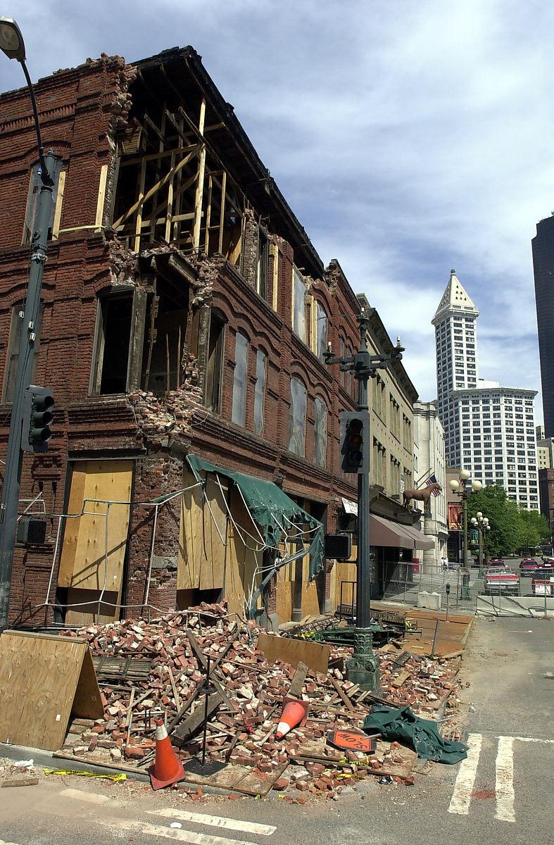 Cadillac Hotel earthquake damage, 2001