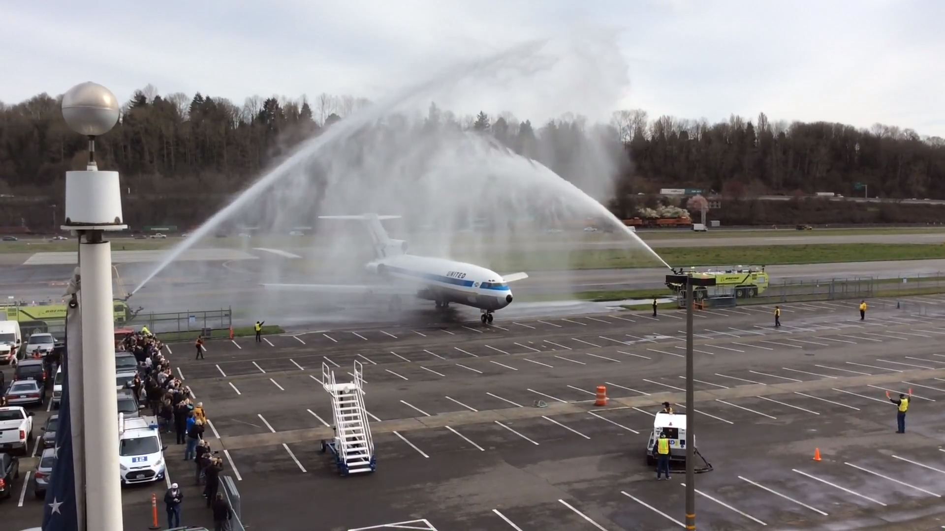 Final landing and taxi of the first Boeing 727