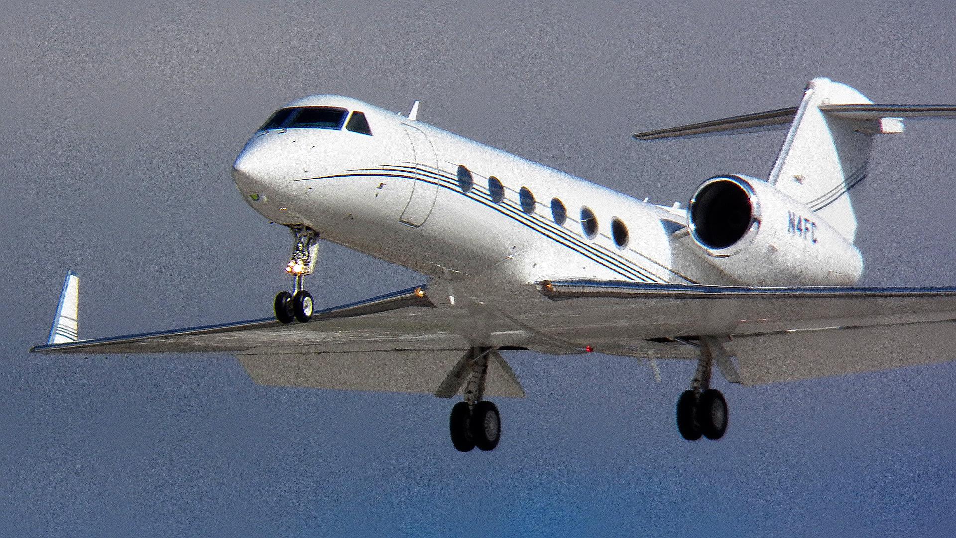 Gulfstream jet in flight