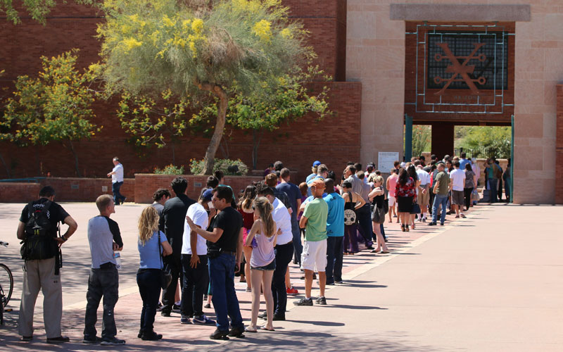 Long lines at polling places in Arizona
