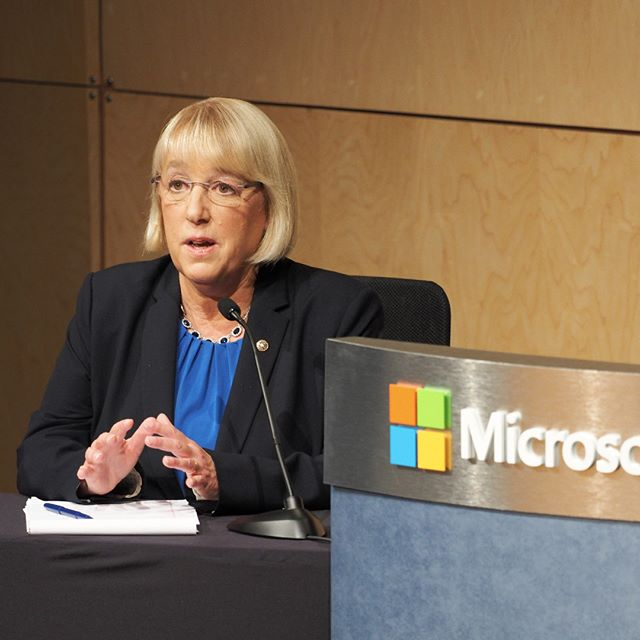 Democratic Senator Patty Murray delivers her opening statement in her second major debate with Chris Vance