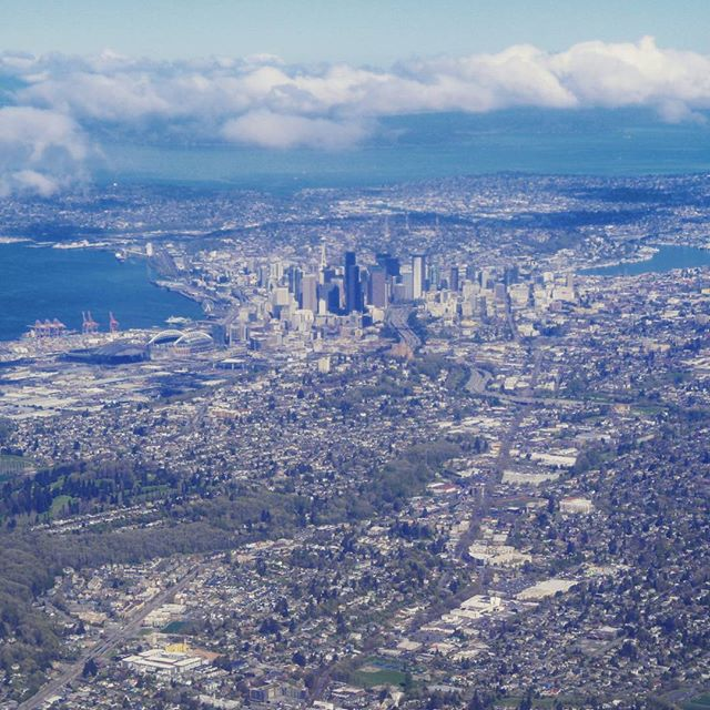 Seattle from the air (Filter: Crema)