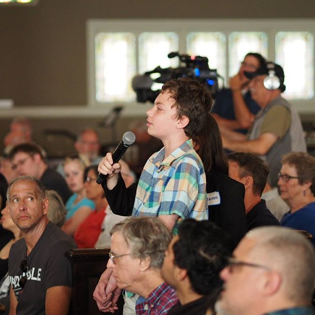 A young constituent asks a question at Senator Cantwell's #NetNeutrality town hall