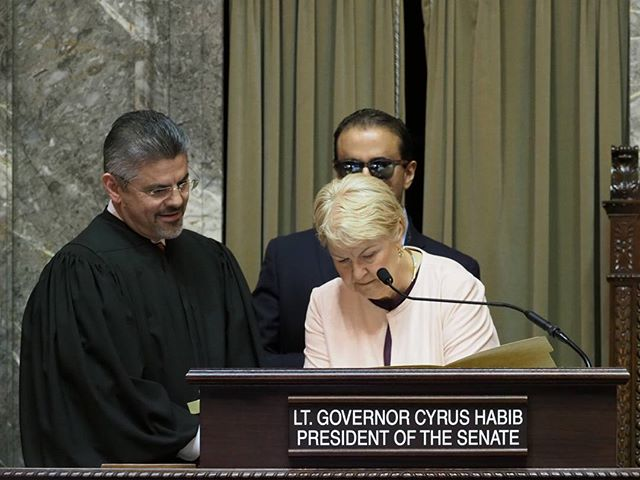 2018 Washington State Legislature Opening Ceremonies: Senator Karen Keiser takes care of the paperwork after having been elected President Pro Tempore #waleg