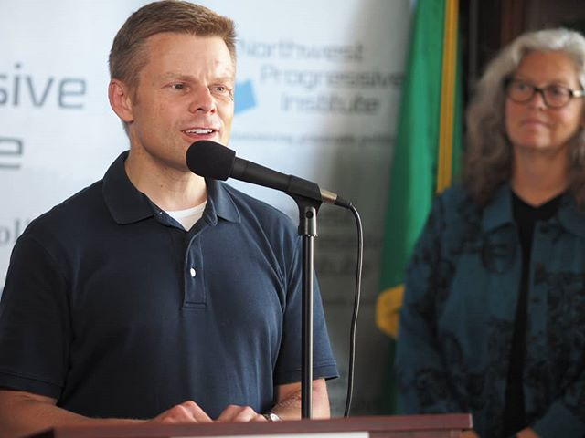 State Senator Jamie Pedersen (D-43rd District) speaks at NPI's July 12th press conference to discuss the finding that 69% of Washingtonians surveyed prefer life in prison alternatives to the death penalty (Photo: Tammi Laster/NPI)