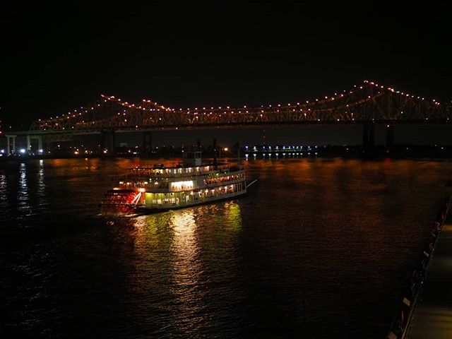 Scenes from #NN18: The steamboat Natchez passes by the Hilton Riverside on a journey down the Mississippi