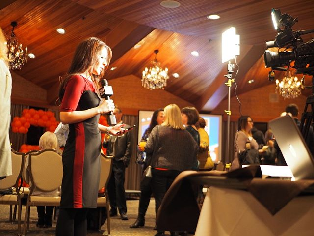 Flashback to General Election Night 2018: A reporter for Q13 reports from The Edgewater (Photo: Theresa Curry Almuti//NPI)