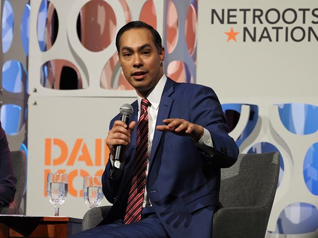 Julián Castro participates in Netroots Nation's 2019 presidential leadership forum #NN19