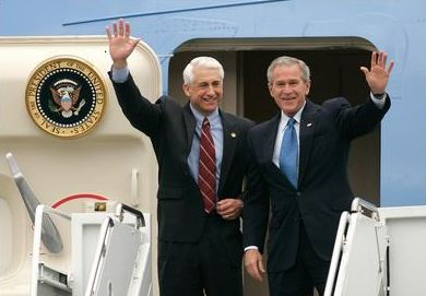 Reichert Appears With George W. Bush