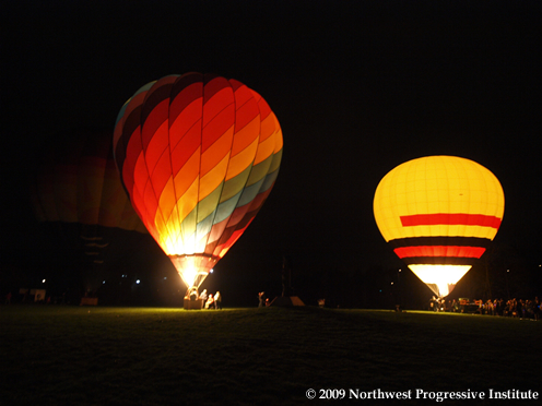 RedmondLights Grand Balloon Display
