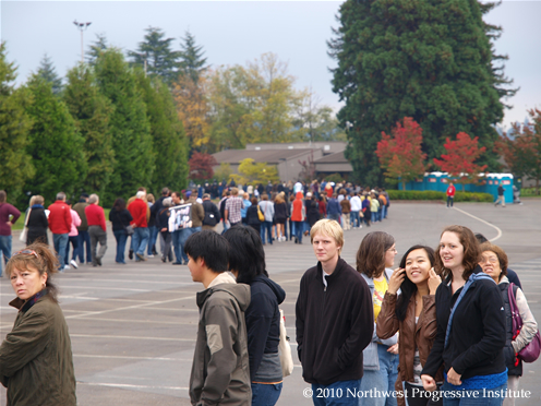 Line outside Hec Edmundson Pavilion