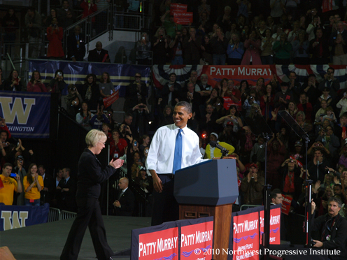 President Barack Obama smiles at Senator Patty Murray