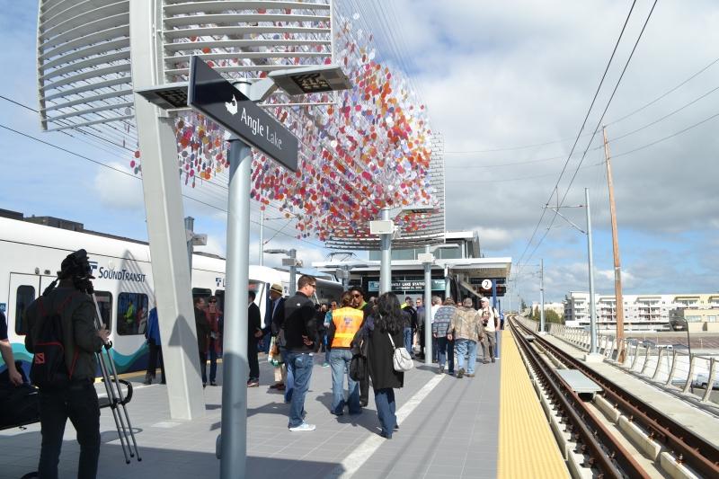 Angle Lake Station platform