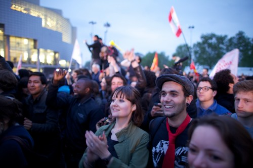 Supporters of Hollande celebrate victory