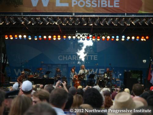 Jeff Bridges performs
