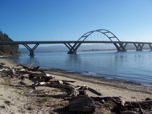 The Alsea Bay Bridge carries U.S. 101 over Alsea Bay and into Waldport, Oregon. (Photo by ; reproduced under a Creative Commons license).