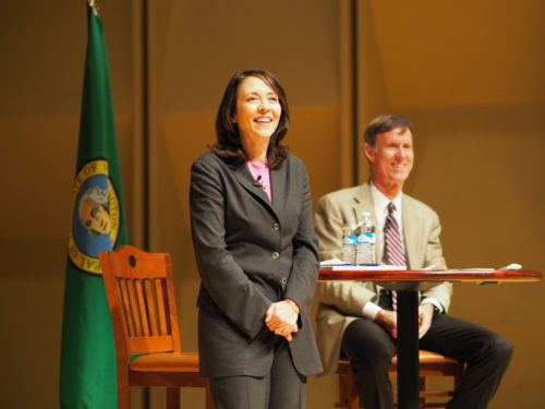 Maria Cantwell hosting a healthcare town hall