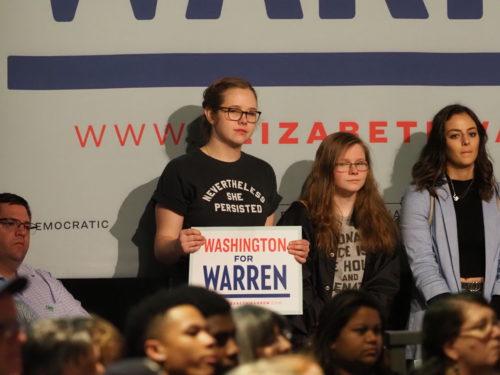 Young supporters of Elizabeth Warren