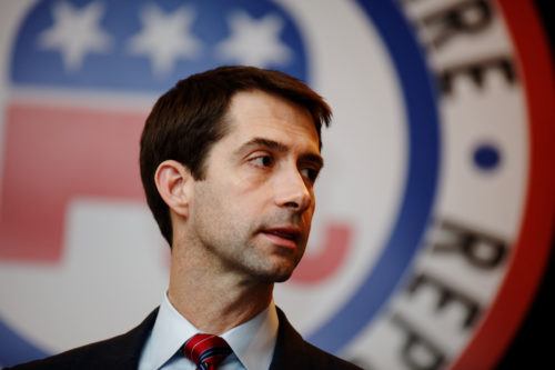 Tom Cotton speaks to New Hampshire Republicans in 2016
